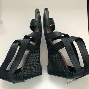 EUC Donald J Pliner black wedge sandals - zip back